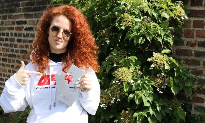 Jess Glynne with her award,
